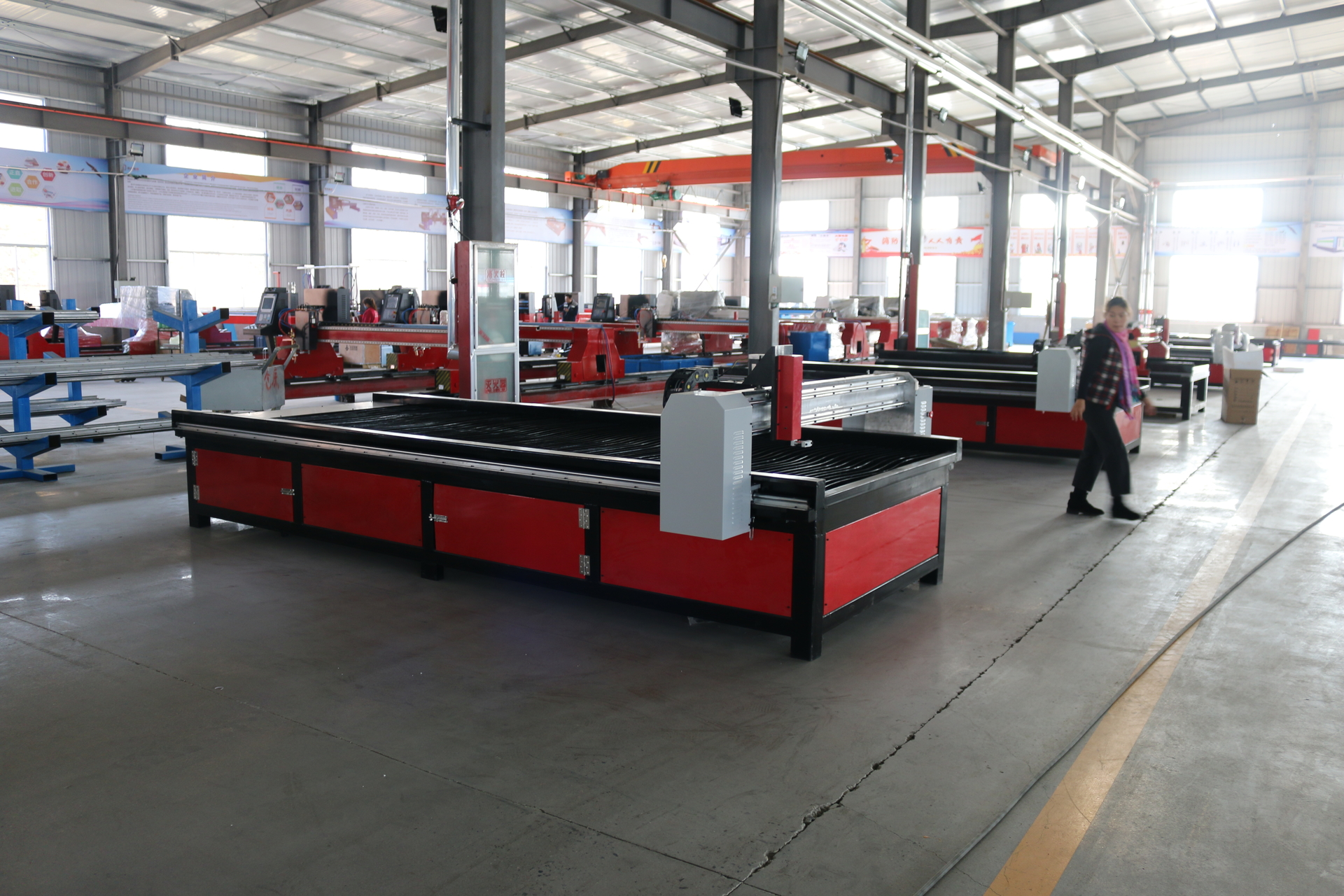 Sanxin® is established in July 2004 ,owns more than 500 square meters of researching and office space, more than 32000 square meters factory.All machines ,passed the European Union CE authentication,American FDA certificate and are certified to ISO 9001.